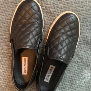 Black Steve Madden Tennis Shoes
